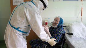 بیماری کرونا در افراد سالمند خطرناکتر است.